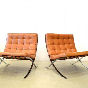 Mies van der Rohe Barcelona Chair Knoll International Interior Aksel