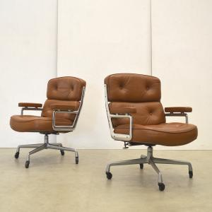 Herman Miller Eames ES104 Lobby Chair Sessel Interior Aksel Aachen