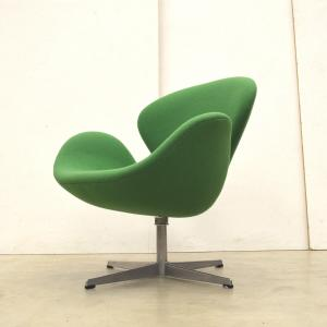 Fritz Hansen Arne Jacobsen Swan Chair Early Interior Aksel Aachen Design Paris