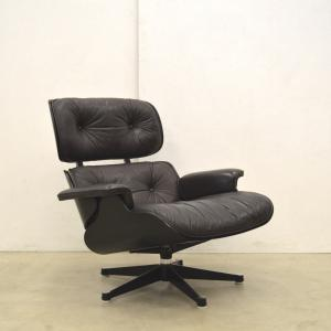 Vitra Eames Lounge chair black edition Interior Aksel Paris Design Furniture