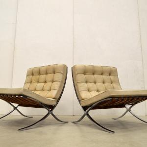 Early vintage Barcelona Chair Mies van der Rohe Natural Cognac Knoll Interior Aksel Aachen Design Collection