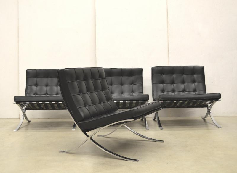 Mies van der Rohe Barcelona Chair Sessel Interior Aksel