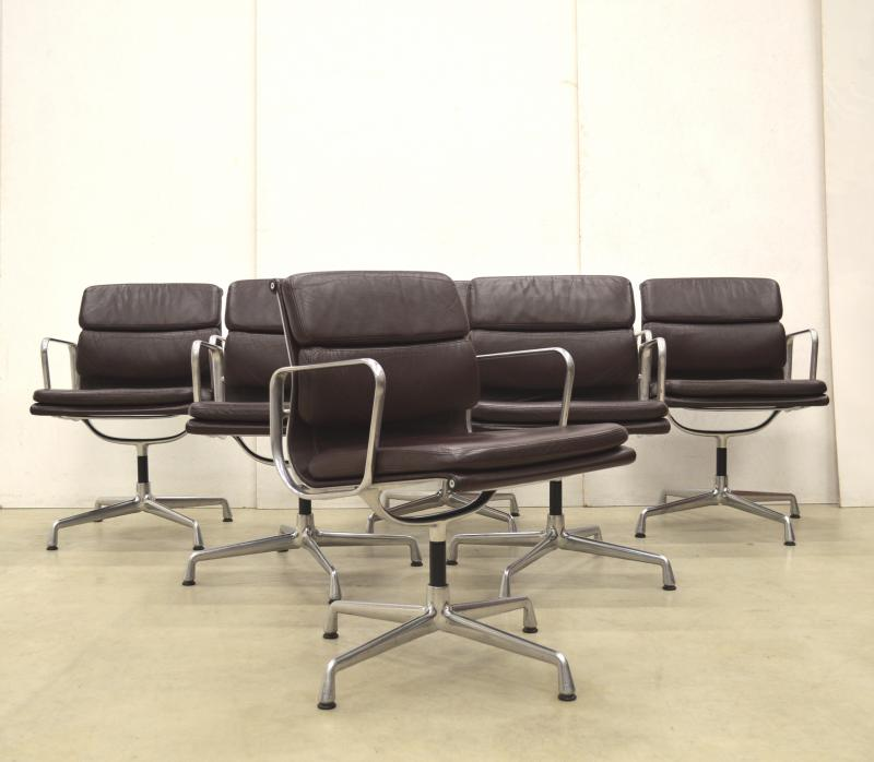 Vitra EA208 Soft Pad Office Chair Interior Aksel Aachen Paris London
